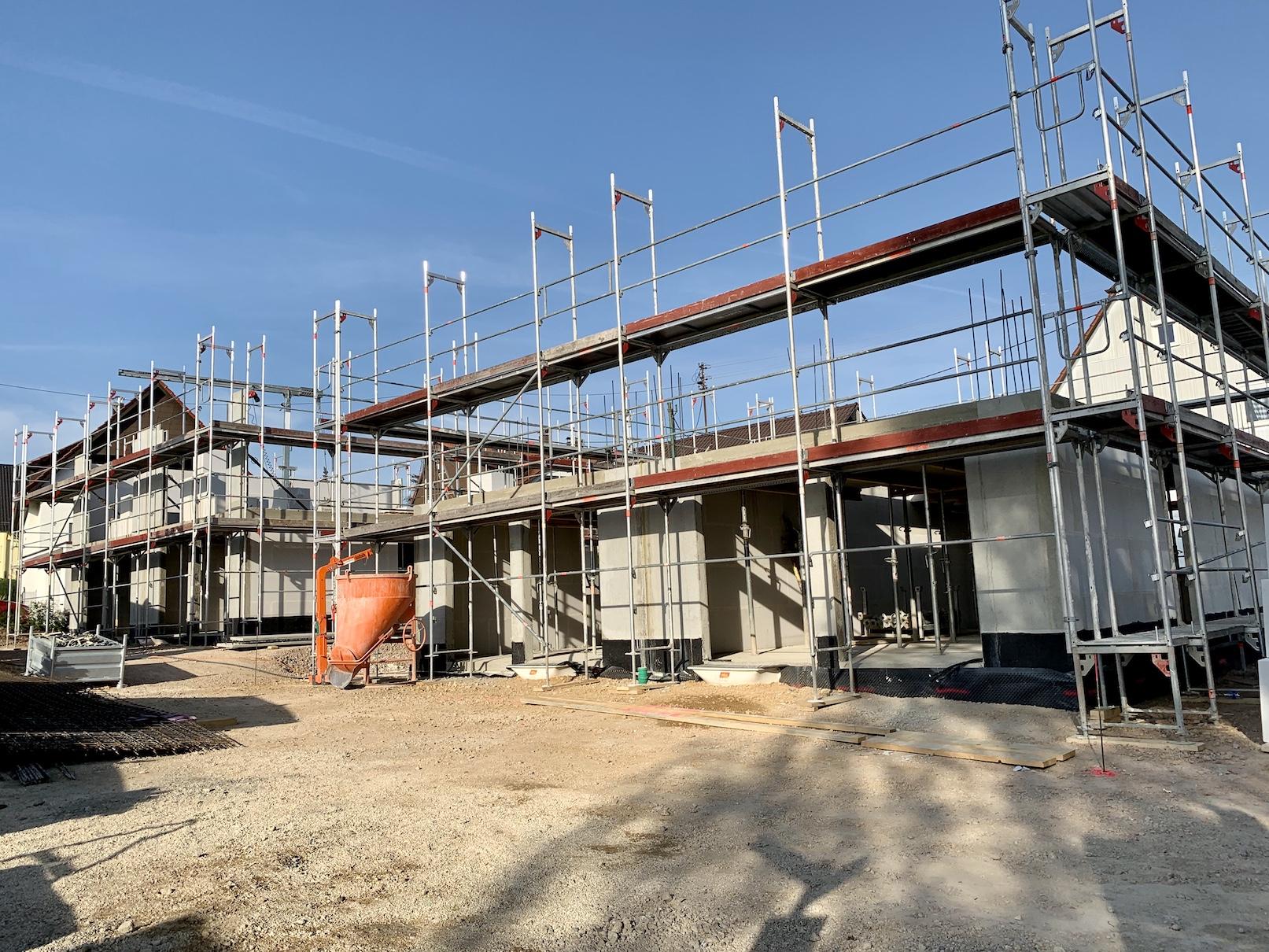 24.04.2020 - Die Erdgeschossdecken wurden betoniert.